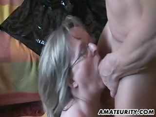 busty mature amateur mother id like to fuck sucks