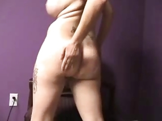 Milf butt shake &; spread