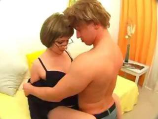 hot midget sex from an amateur couple, vella the