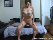 Milf facesits a man and got her ass hole cleaned