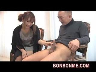 breasty mother i tugjob to amateur man