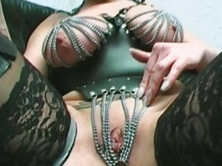 milf with percing wet crack