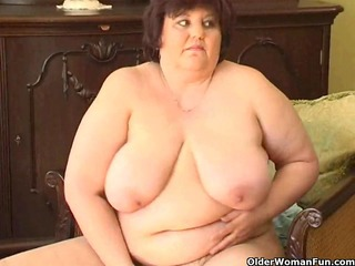 bulky granny with large mambos copulates a sex