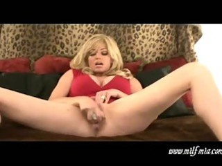 breasty blond mother i mia masturbates and squirts