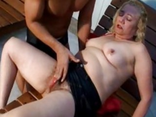 lusty blond aged gives awesome oral