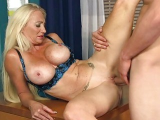 hot older lady gives amazign head
