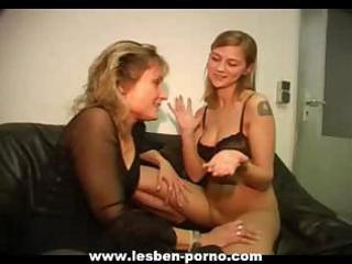 hawt youthful lesbian daughter dildos her mom on