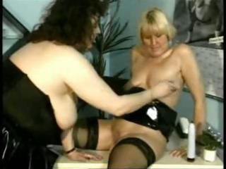 two mature lesbos are using fingers and are too