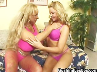 aged lesbo floozy receives screwed with vibrator