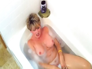 blonde taking a bath acquires a cock to eat and