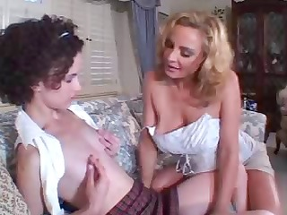 mature and younger lesbian babes