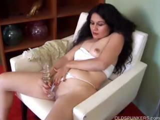 spicy older latin chick amateur