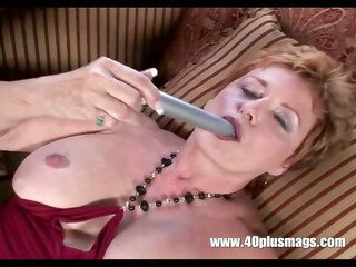 old smutty housewife in solo