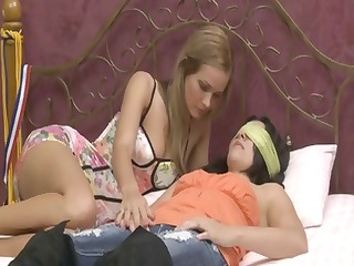 Lesbian in W1