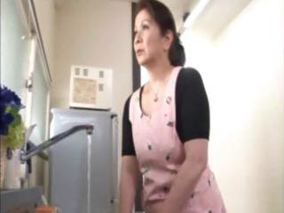 japanese mature housewife does an old fellow and