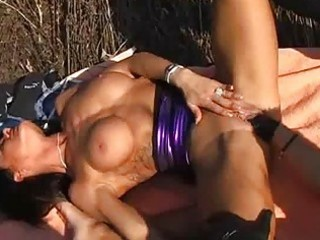 brunette d like to fuck fisted and made water on