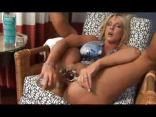 breasty golden-haired mother i uses a huge sex