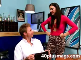youthful chap finger fucking older chick