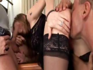 hot dark brown mother i gives a double oral-job