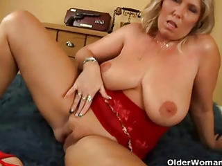 large titted older mom gives head and receives