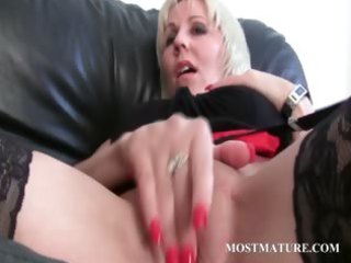lesbian mature pair teasing sexy pussy