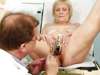 dirty golden-haired granny acquires her cunt