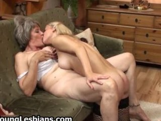 fat mature wife receives her hairy pussy part6
