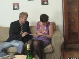 old mommy widens her legs for hard schlong