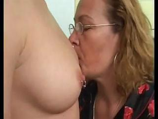 mature lesbo teaching a young lesbo how to use a