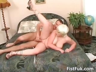 ultra golden-haired slut receives her hawt pussy