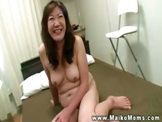 oriental d like to fuck fills throat with knob