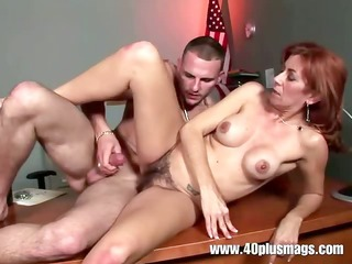 hairy divorcee love tunnel pounded