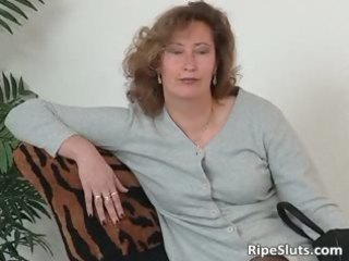 aged floozy in nylons use large fake penis