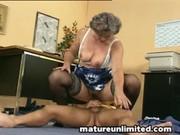 mammas fingering her bulky shaggy pussy
