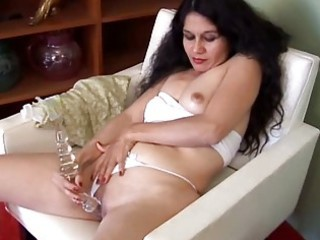 spicy mature latin chick amateur
