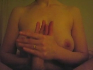 d like to fuck gives a worthwhile tugjob to her