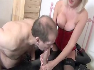 gorgeous blond mother id like to fuck to suck dick