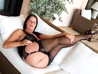 fine Mother Id Like To Fuck in Nylons