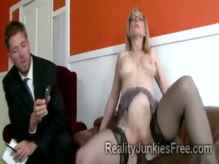 gorgoeus mom in nylons helps her son to keep his