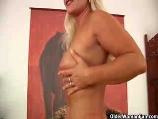 lustful soccer mom exposing her curvy older body