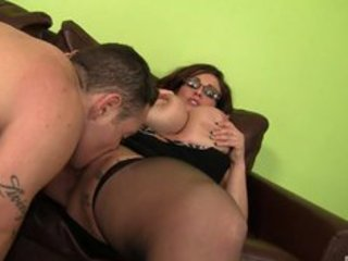 Hugetiited mature boss banging