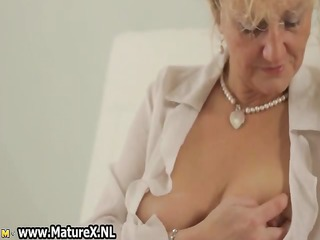 old sexy woman laying part9