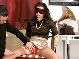 d like to fuck in satiny nylons gets blindfolded