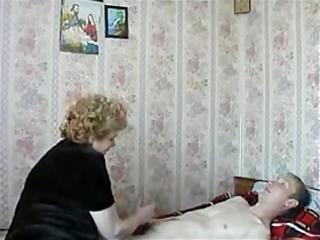 amateur granny copulates the boy