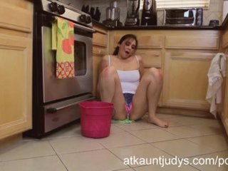 older 10-year old mother i alesia pleasure cleans