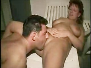 german older plays with hubby german ggg spritzen