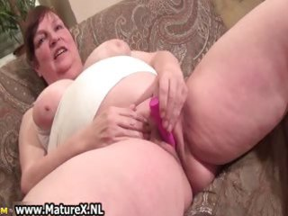 old breasty mommy gets big pink sex toy which