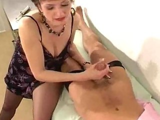 d like to fuck in hose gives her doctor a cook