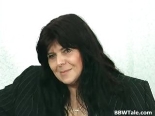 dark hair aged big beautiful woman whore gets her