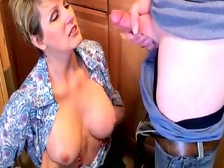 excellent mother id like to fuck gulp cum!!!!